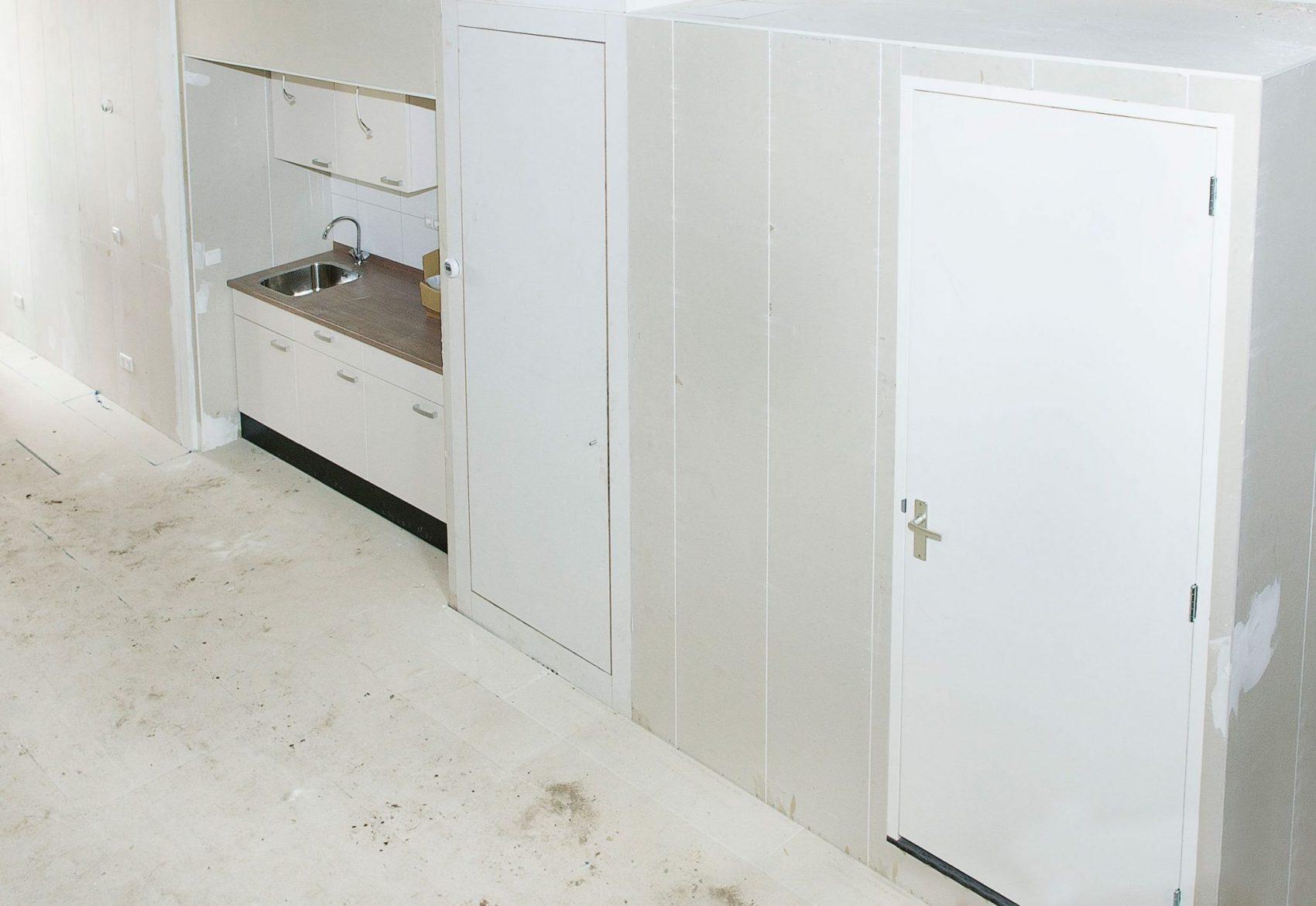 Faay Wanden en Plafonds - Prefab opstelling keuken