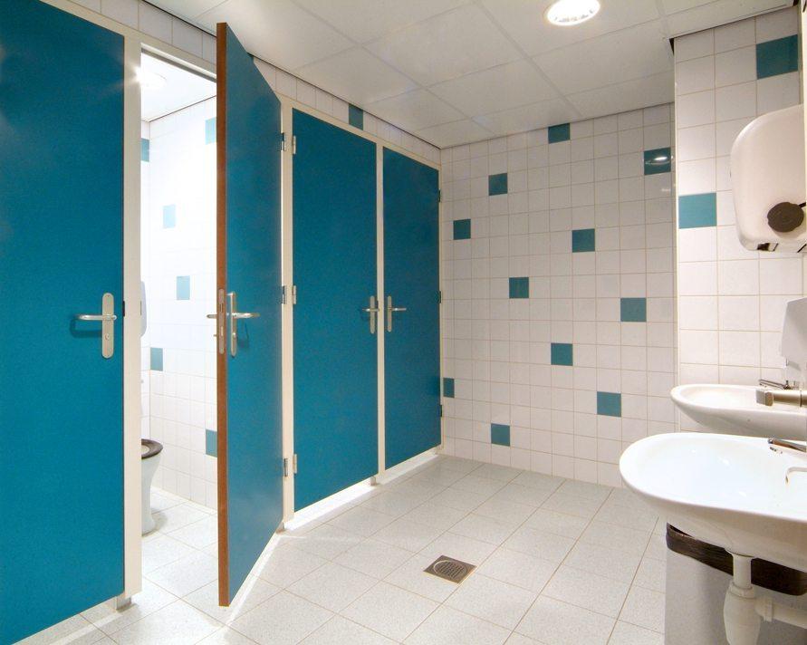 Faay Wanden en Plafonds - Deurkozijnen toilet